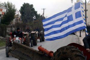 Μπλόκα αγροτών: «Κλείνουν» την εθνική οδό Χανίων – Ρεθύμνου