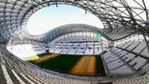 Euro 2016: Χειροκρότημα αντί για ενός λεπτού σιγή στο Πολωνία-Πορτογαλία