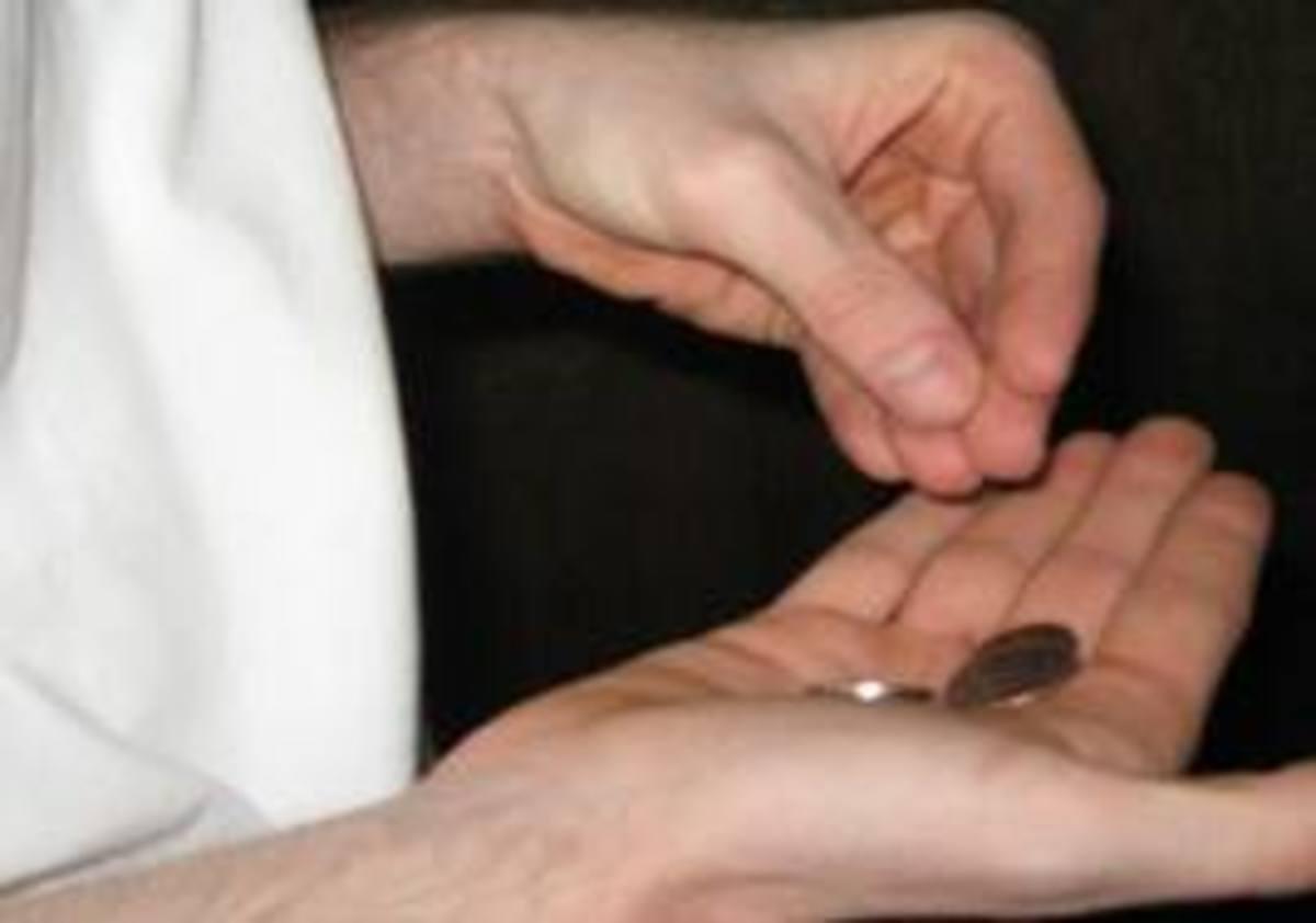 Απολύσεις στο Δημόσιο και μαχαίρι στα δώρα του ιδιωτικού τομέα | Newsit.gr