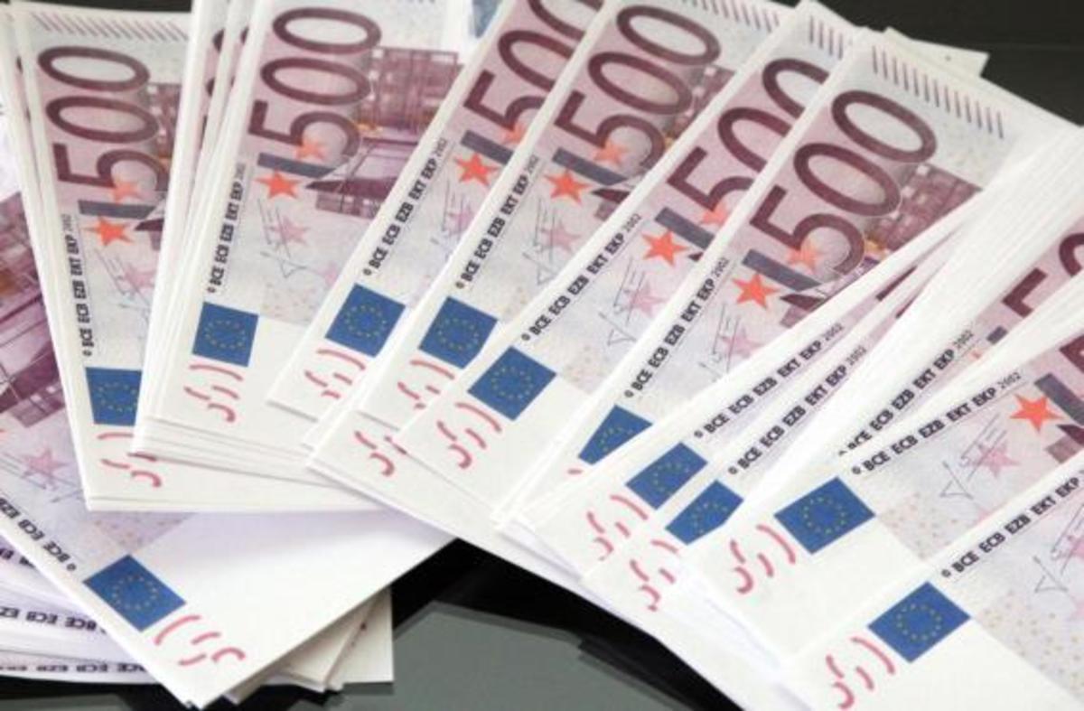 Τέλος τα δώρα στο Δημόσιο – Κόβονται και από τις επικουρικές | Newsit.gr