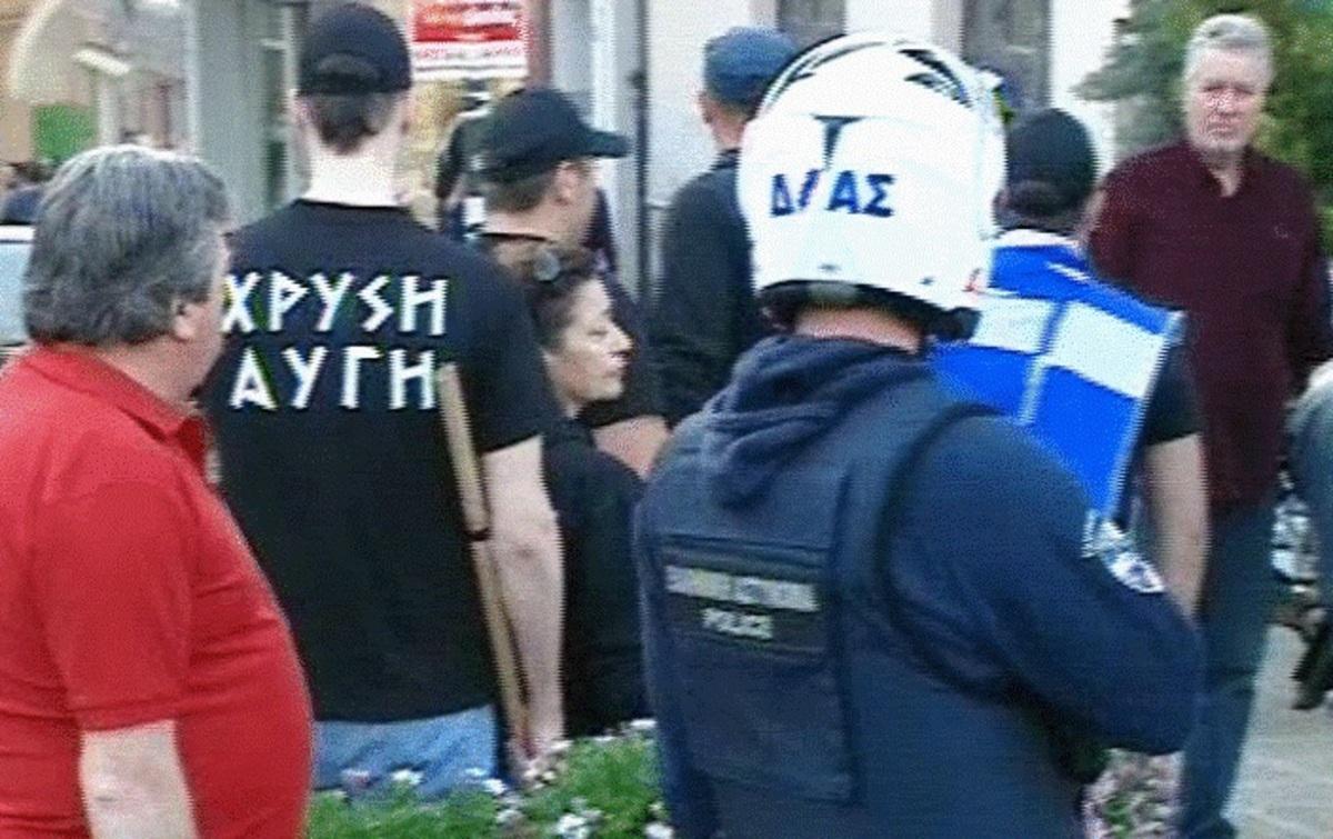 Πιάστηκαν στα χέρια Χρυσαυγίτες με Αριστερούς – ΦΩΤΟ   Newsit.gr