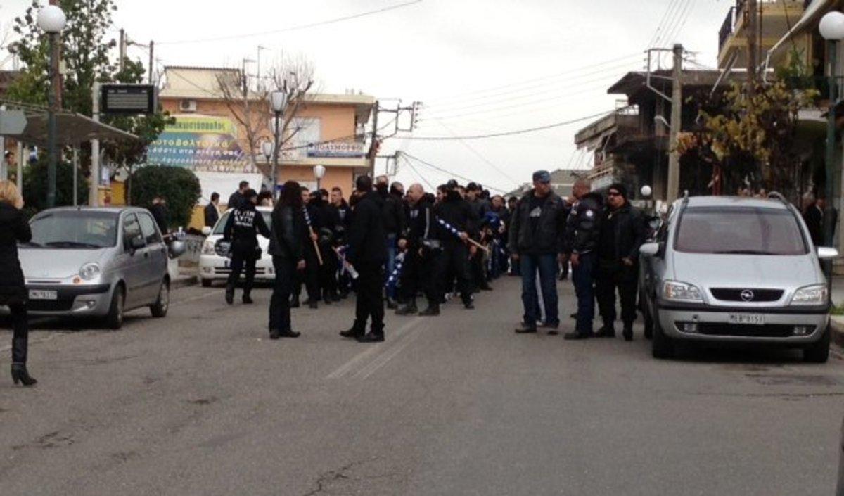 Παράλληλες πορείες Χρυσαυγιτών – αντιεξουσιαστών στο Αγρίνιο – Φωτό και Video | Newsit.gr