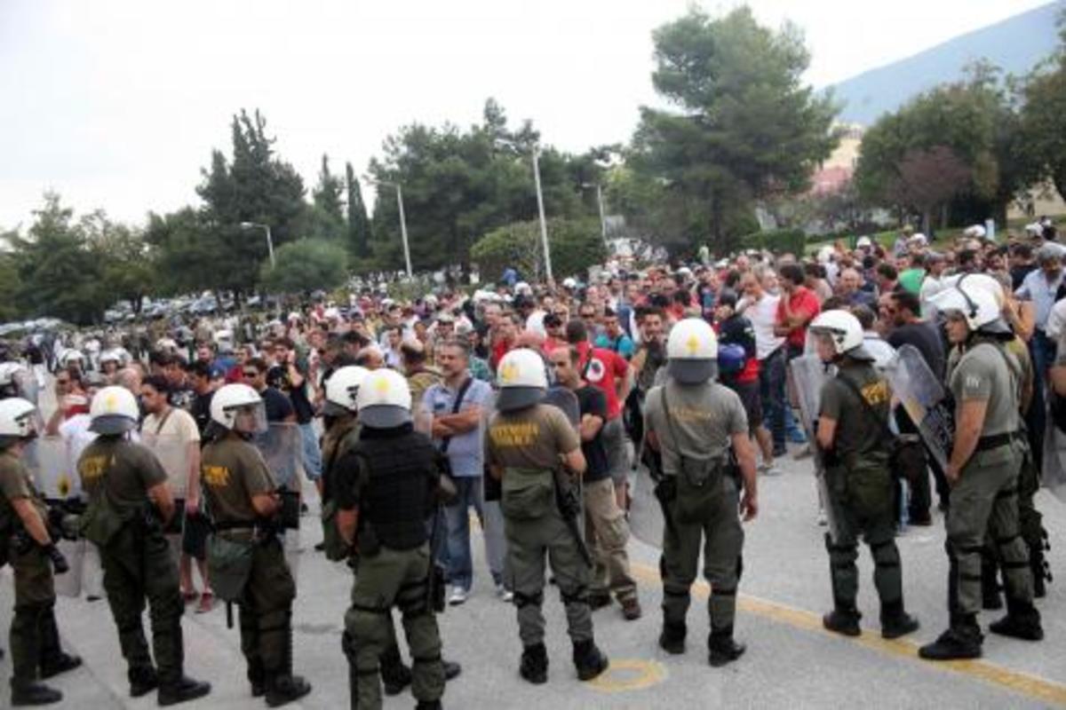 Ποιοι θέλουν να «σηκώσουν όπλα» οι στρατιωτικοί! Ζητείται ψυχραιμία κυρίως στο ΥΕΘΑ | Newsit.gr