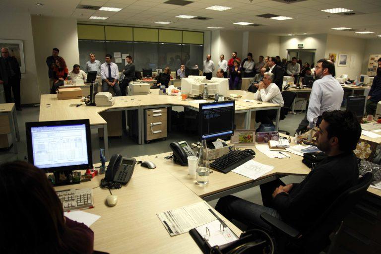 Μέτρα-φωτιά στον ιδιωτικό τομέα-Πάγωμα μισθών και αύξηση απολύσεων | Newsit.gr