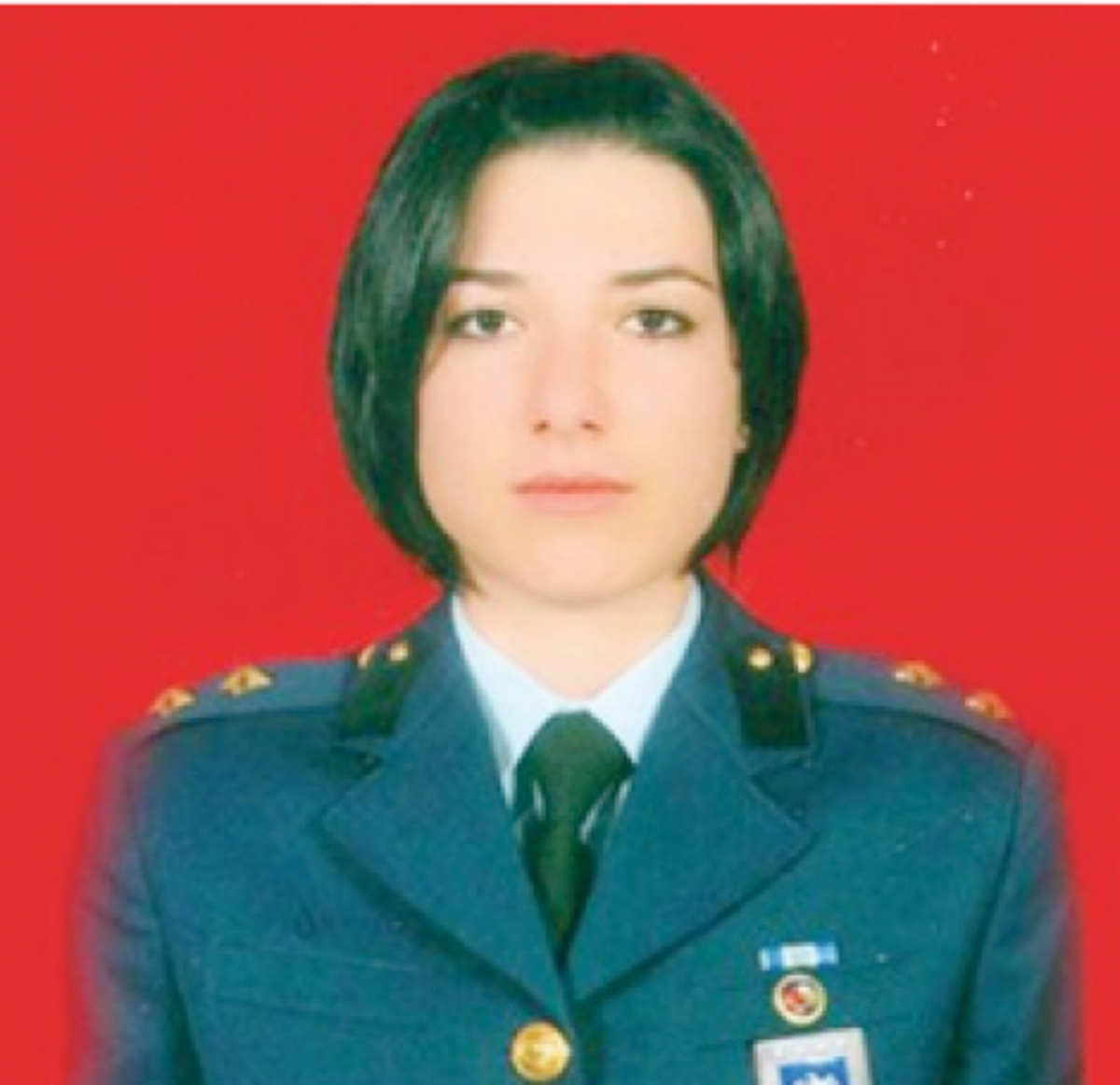 Η αυτοκτονία της όμορφης υποσμηναγού μήπως ήταν «δολοφονία»;   Newsit.gr