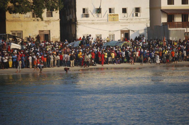 31 νεκροί από ναυάγιο πορθμείου στη Ζανζιβάρη | Newsit.gr