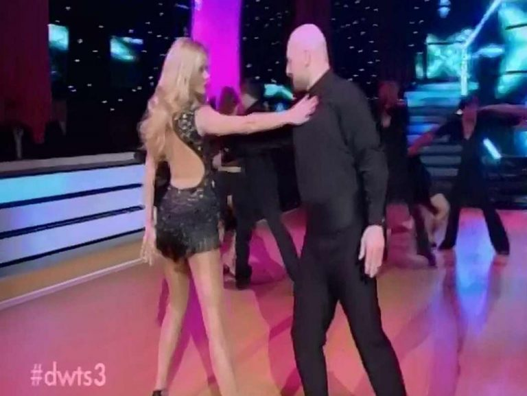 Το εντυπωσιακό χορευτικό της Ζέτας με τον Νίκο Μουτσινά | Newsit.gr