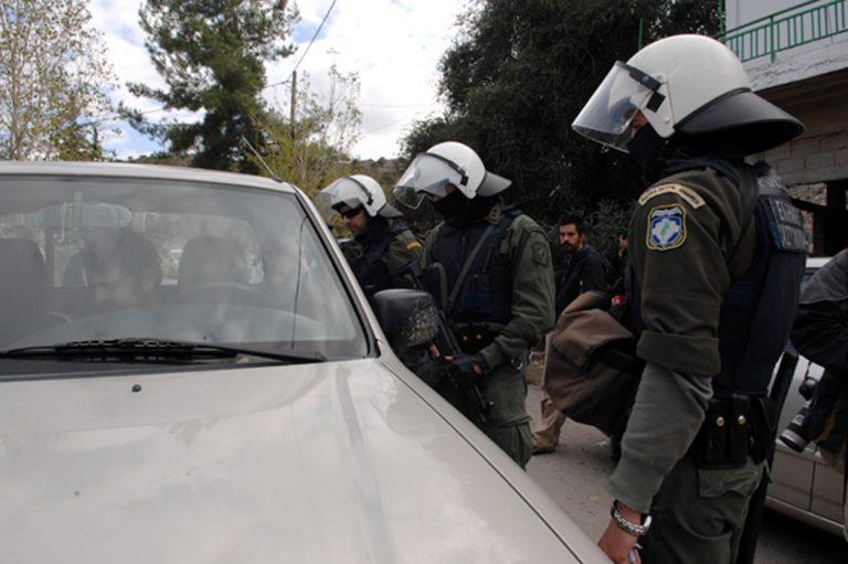 Ζευγάρι… μπουμπούκι με όπλα και ναρκωτικά | Newsit.gr