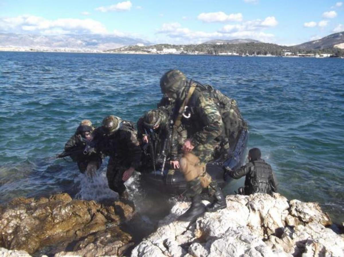 Άσκηση Ειδικών Δυνάμεων με το Zubr Κέρκυρα – ΦΩΤΟΓΡΑΦΙΕΣ | Newsit.gr