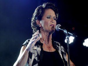 Συναυλία Άλκηστις Πρωτοψάλτη: Πολιτικοί, celebrities και… ρεσιτάλ Ψινάκη! ΦΩΤΟ