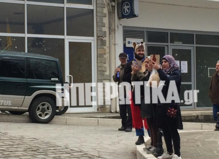 Γιάννενα: Προσφυγοπούλες στο καρναβάλι της Κόνιτσας – Δείτε φωτό και βίντεο! | Newsit.gr