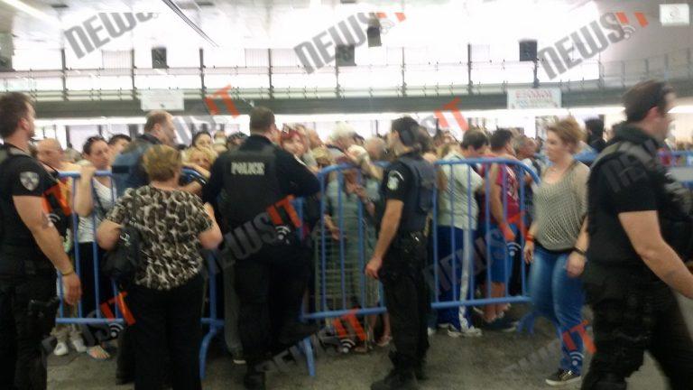 Θεσσαλονίκη: Λιποθυμίες και ένταση σε διανομή τροφίμων – Εξευτέλισαν άτομα με αναπηρία – Εικόνες που προκαλούν οργή και προβληματισμό!