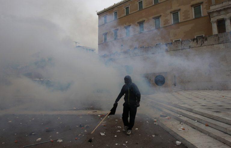 «Τρία κωλόπαιδα σπάνε κάθε φορά την Αθήνα» | Newsit.gr