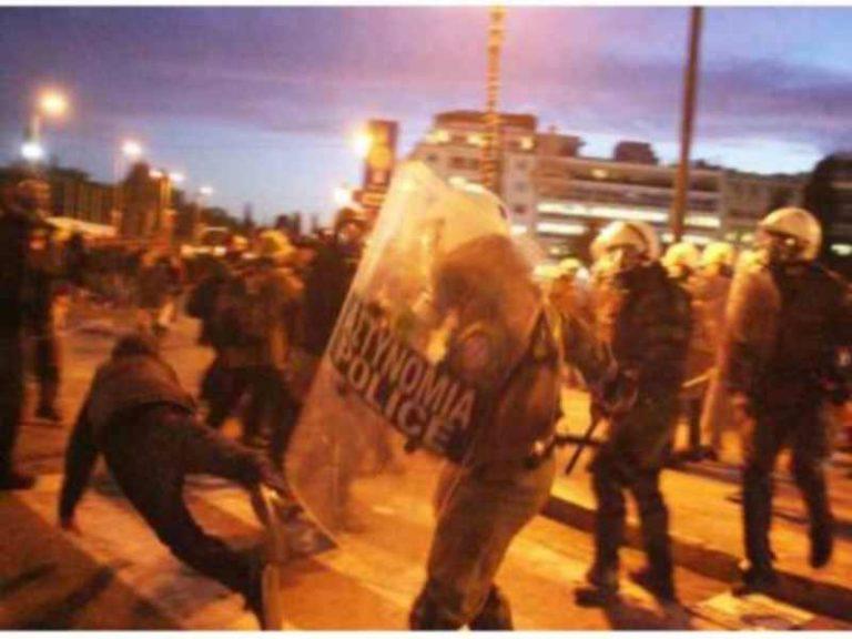 «Φλέγεται» η Πάτρα από τον «πόλεμο» μεταξύ μεταναστών – Αποκαλυπτικό βίντεο! | Newsit.gr