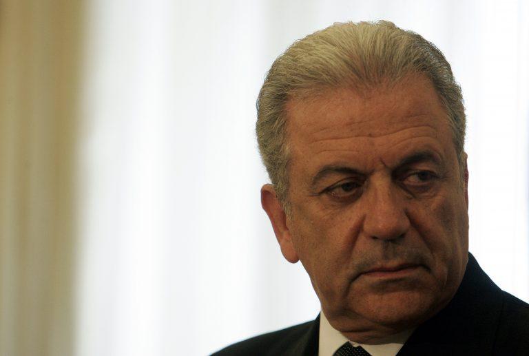 Τηλεφωνική επικοινωνία Αβραμόπουλου με Ερντογάν και Βεστερβέλε | Newsit.gr