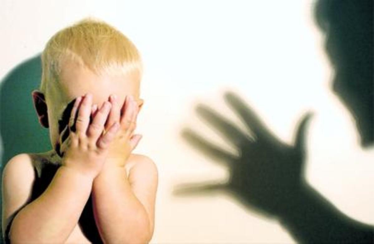 Αδίστακτη μητέρα «έσπαγε» στο ξύλο το ανήλικο παιδί της! | Newsit.gr