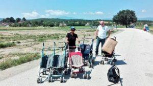 Έφυγαν από την Ειδομένη και πήγαν… στο Πολύκαστρο χιλιάδες πρόσφυγες – Ξεστήνουν τον παλιό καταυλισμό οι ΜΚΟ