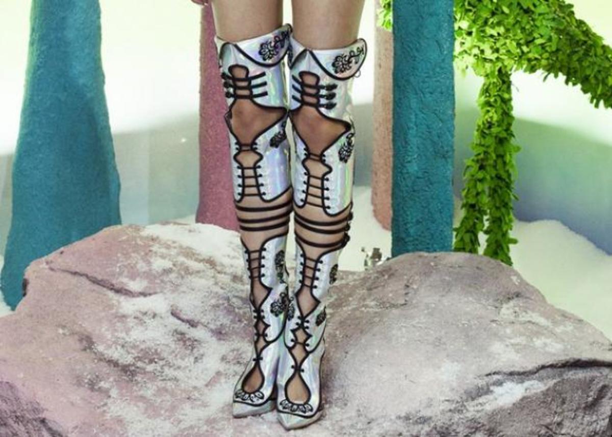 Τα παπούτσια gladiator είναι στη μόδα! Αυτά όμως θα τα φορούσες; | Newsit.gr