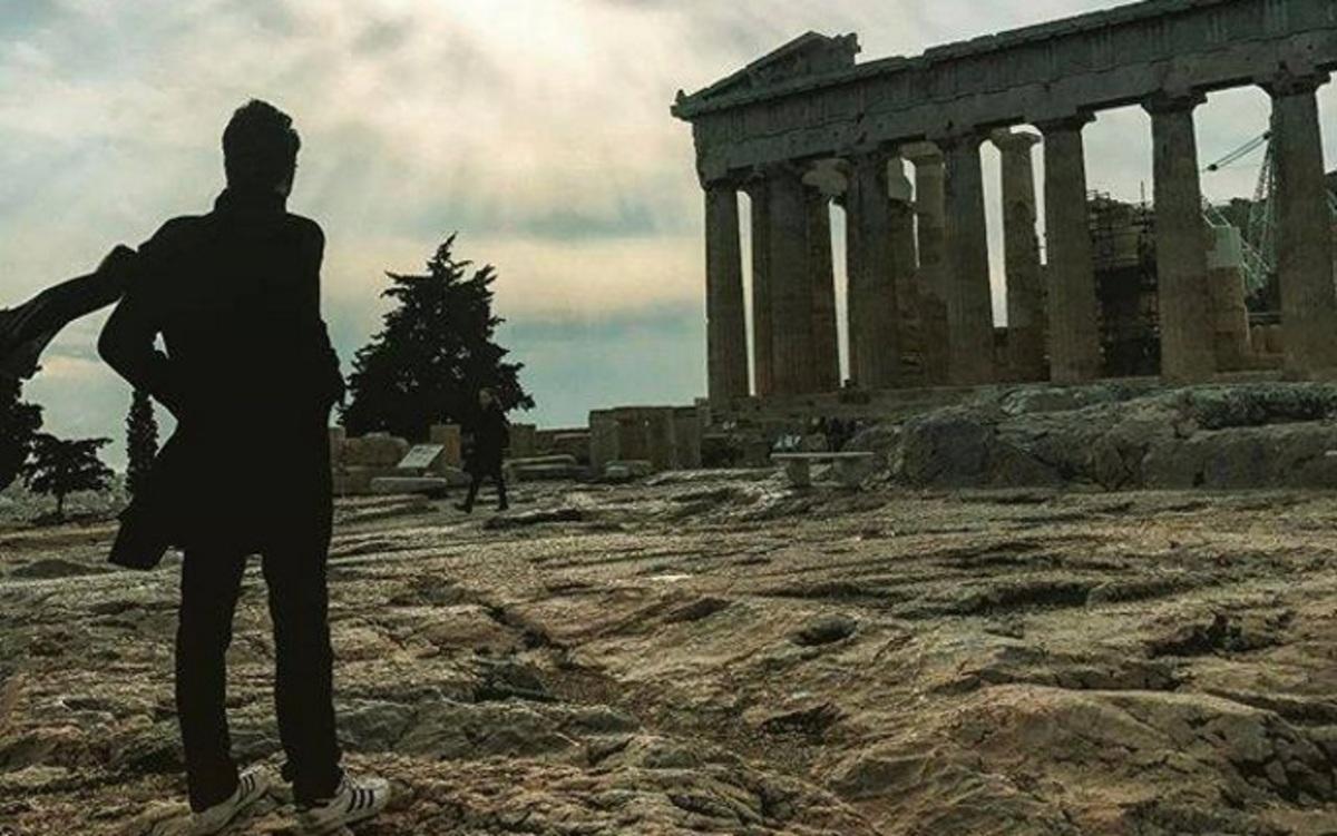 Διάσημος star του Hollywood φωτογραφίζεται στην Ακρόπολη και δεν τον κατάλαβε κανείς!   Newsit.gr