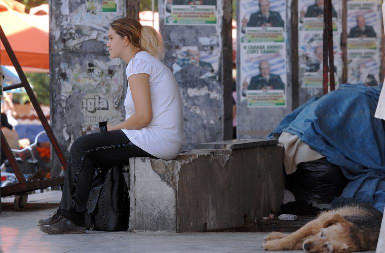Τρίκαλα: Μην… κοιτάτε τα αδέσποτα! | Newsit.gr