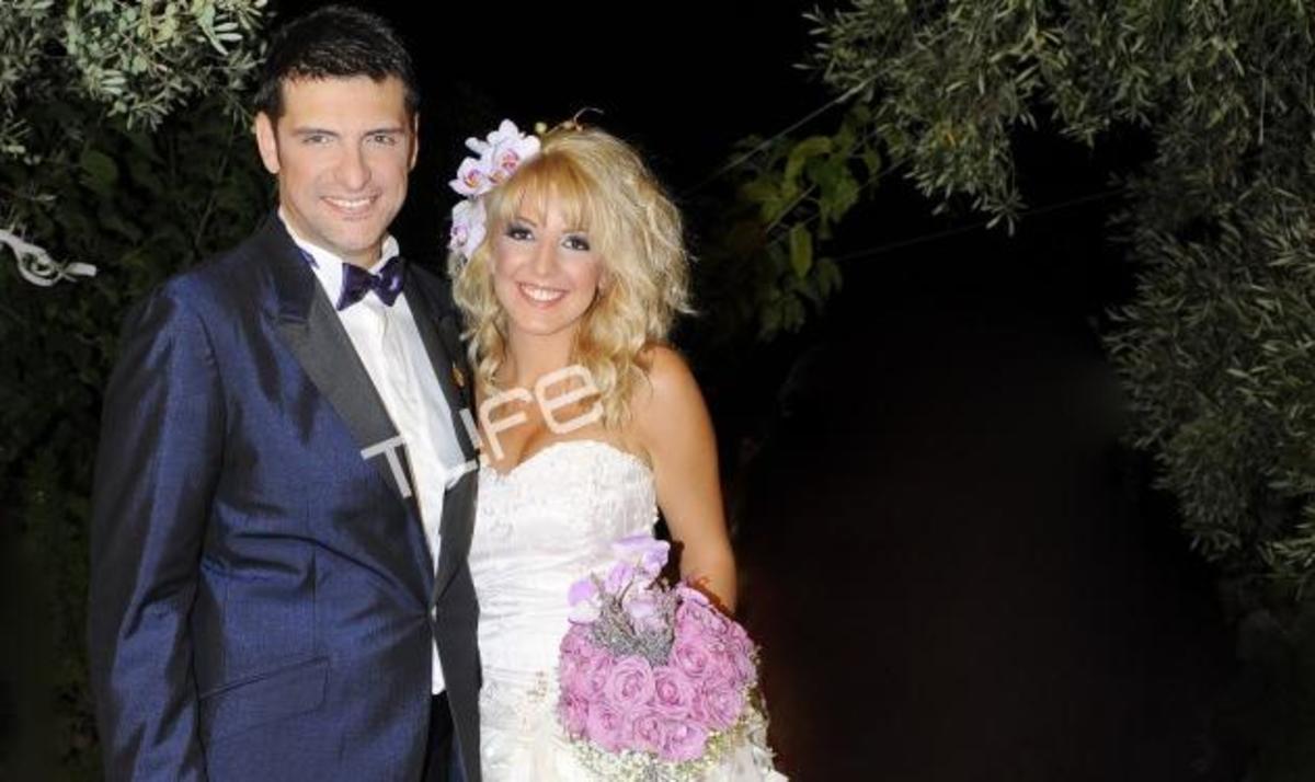 Χ. Αντωνιάδης: Το άλμπουμ του γάμου του! Τι είπε ο γνωστός τραγουδιστής στο TLIFE | Newsit.gr