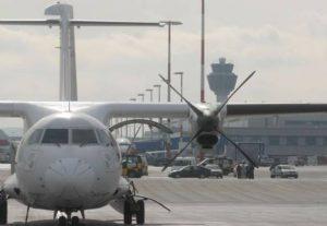 ΕΕ: Αναστολή της εφαρμογής του φόρου CO2 για τις αεροπορικές εταιρείες