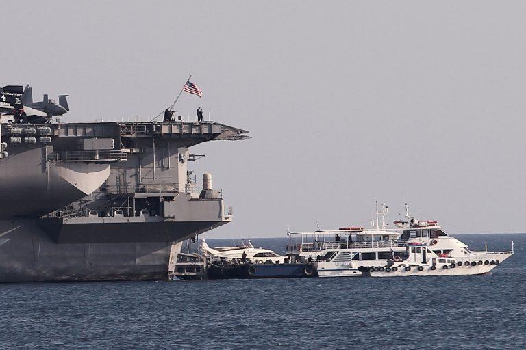 Αρμάδα με αεροπλανοφόρο στη Κύπρο έτοιμη να επέμβει στη Συρία! | Newsit.gr