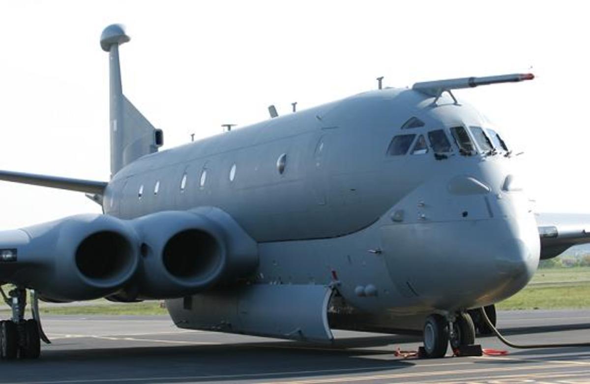 Οι Βρετανοί στέλνουν αεροπλάνο με χρήματα στην Κύπρο για τους φαντάρους της   Newsit.gr