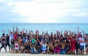Αφεντικό για Όσκαρ! Πήγε τους εργαζόμενους του διακοπές στις Μαλδίβες [pics, vids]