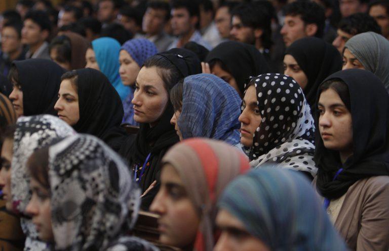 Αφγανιστάν: Δηλητηρίασαν 150 μαθήτριες επειδή είναι αντίθετοι με την εκπαίδευση γυναικών | Newsit.gr