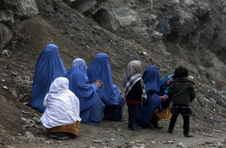 Θρήνος στο Αφγανιστάν, 10 κοριτσάκια νεκρά από νάρκη | Newsit.gr