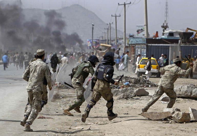 Γυναίκα καμικάζι σκόρπισε το θάνατο στην Καμπούλ – Επίθεση «απάντηση» στην ταινία που προσέβαλε τον Μωάμεθ! | Newsit.gr