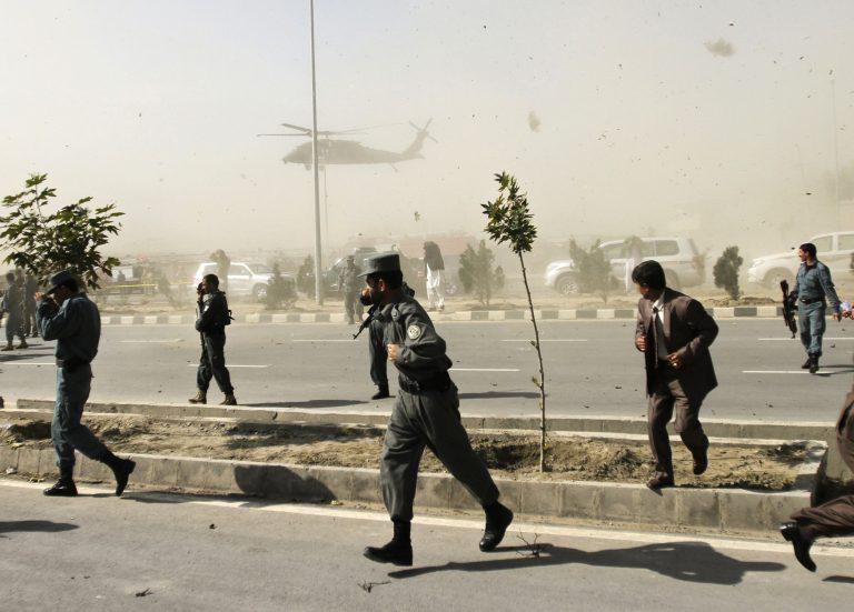 Βομβιστική επίθεση σε μικρό λεωφορείο, 8 νεκροί στο Αφγανιστάν | Newsit.gr