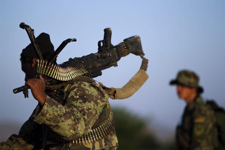 Σε θάνατο καταδικάσθηκε ο αφγανός στρατιώτης που τον Ιανουάριο σκότωσε πέντε γάλλους στρατιώτες | Newsit.gr