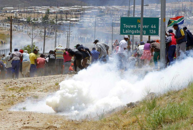 Ν. Αφρική: Σοκάρει ο απολογισμός των νεκρών σε απεργίες από το 1999   Newsit.gr
