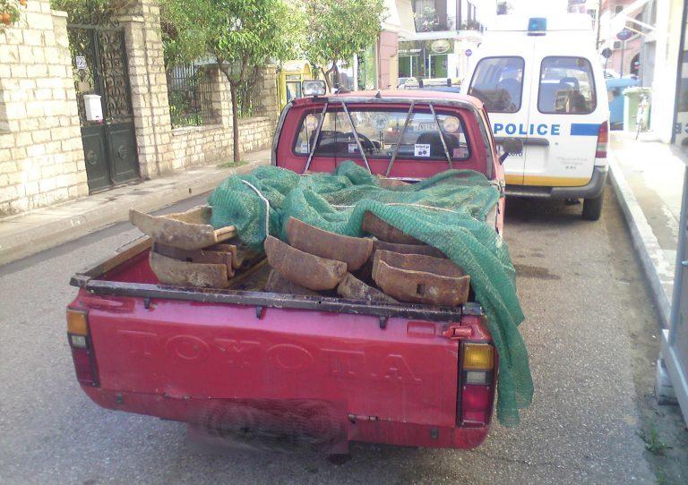 Μεσολόγγι: Έβαλαν τις κλεμμένες ράγες στο φορτηγάκι αλλά… έπεσαν σε μπλόκο! | Newsit.gr