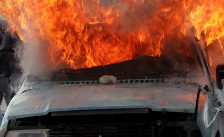 Ηράκλειο: Πήρε φωτιά το αυτοκίνητο, την ώρα που οδηγούσε!   Newsit.gr