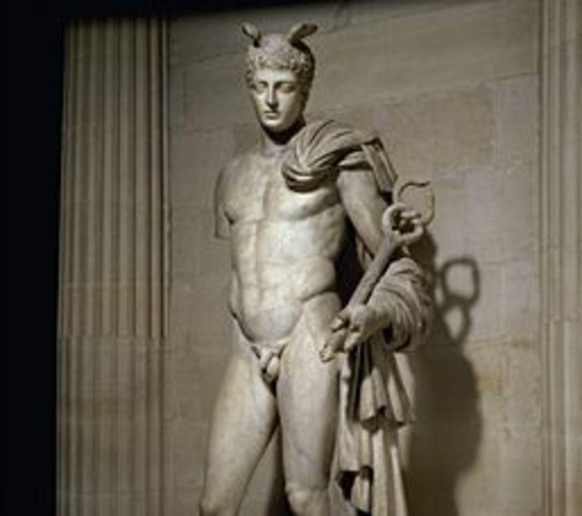 Τώρα θέλουν και ελληνικά αγάλματα   Newsit.gr