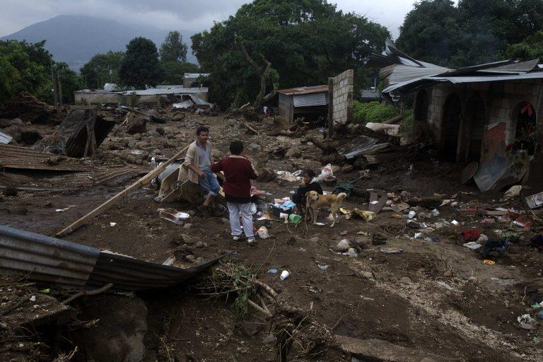 Γουατεμάλα: Στους 115 οι νεκροί από την «Αγκάθα» | Newsit.gr