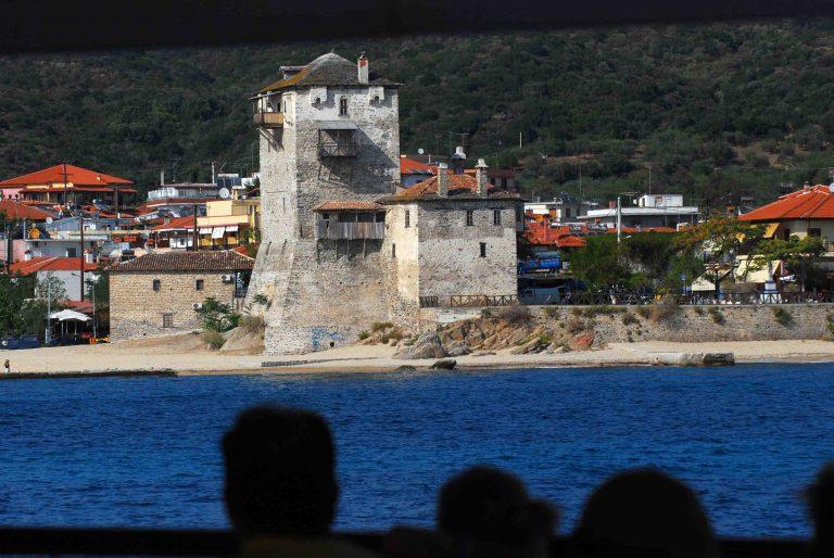 Ενας νεκρός και 2 τραυματίες σε τροχαίο στο Άγιον Ορος! | Newsit.gr