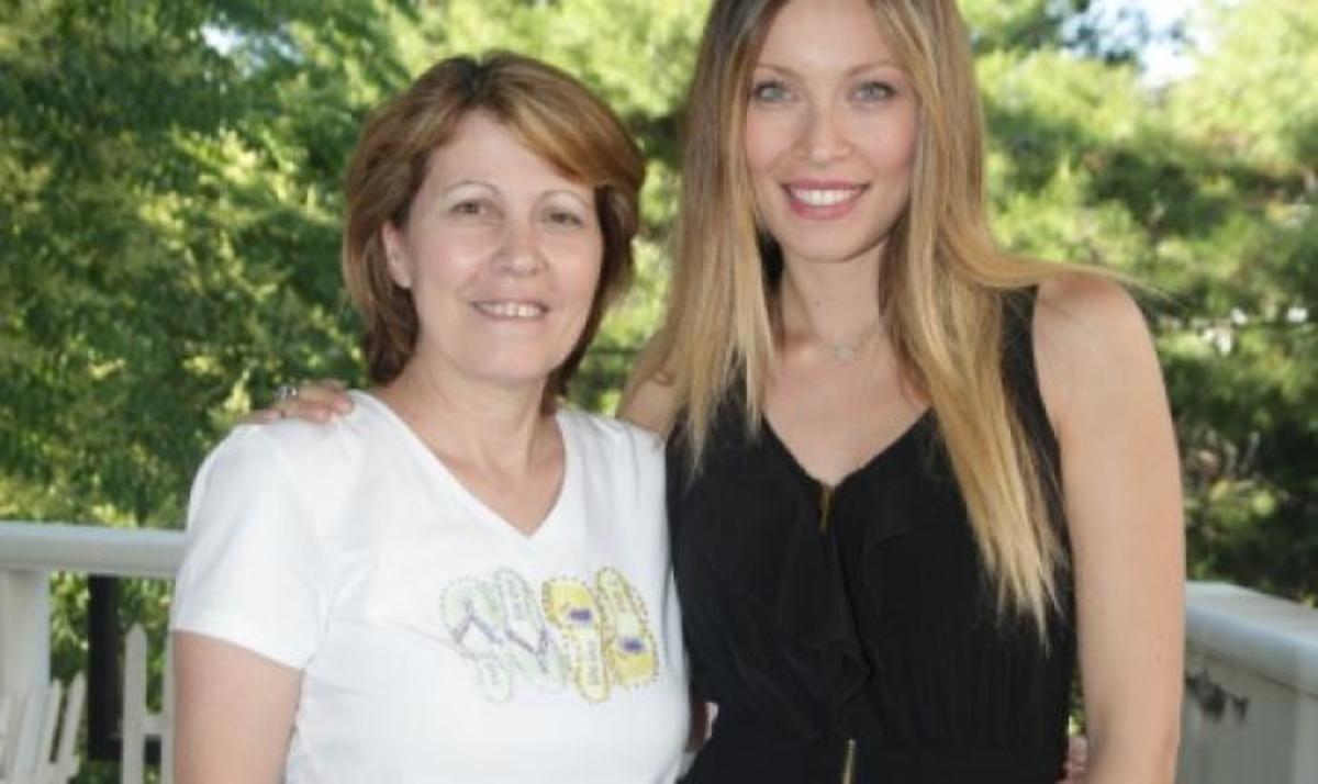 M. Χρουσαλά: Το  τραπέζι που διακόσμησε με τη μητέρα της για το Thanksgiving! | Newsit.gr