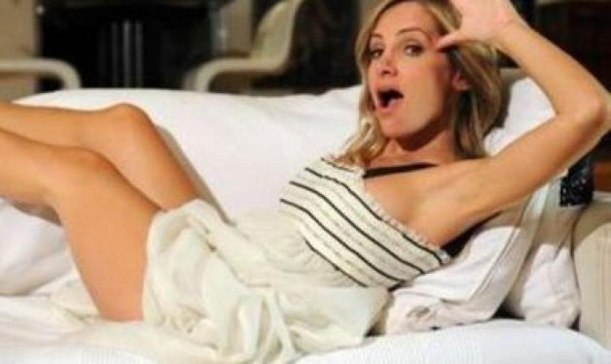 Η Τζ. Αγοράκη αποκαλύπτει στο TLIFE το όνομα του μωρού και τι νυφικό θα φορέσει στο γάμο της!   Newsit.gr