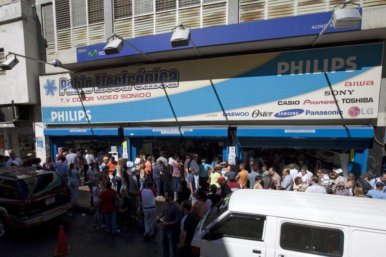Οι καταναλωτές αγοράζουν με μανία στην Βολιβία | Newsit.gr