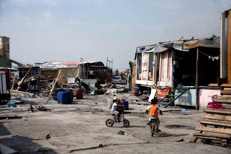 Παραλίγο μακελειό σε καταυλισμό στο Αγρίνιο | Newsit.gr