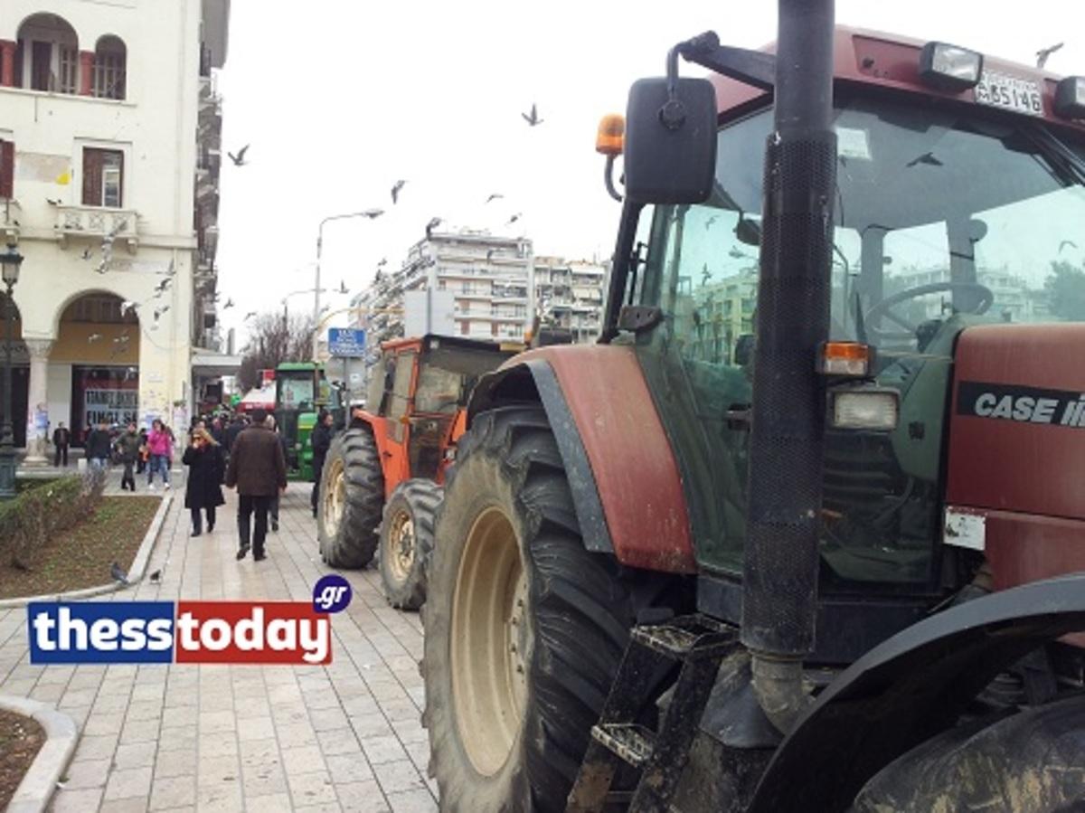 Με τρακτέρ στην Αριστοτέλους οι αγρότες – Την Κυριακή η μεγάλη απόφαση (VIDEO) | Newsit.gr