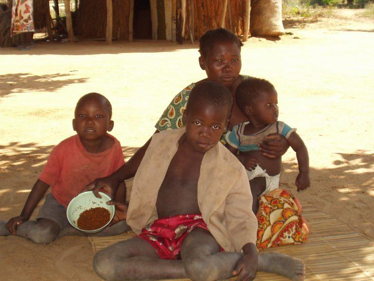 40.000 παιδιά γεννιούνται ετησίως μολυσμένα με AIDS στην Αφρική   Newsit.gr
