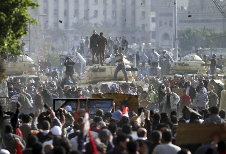 Το σχόλιο του Γιάννη Λοβέρδου για τα γεγονότα στην Αίγυπτο | Newsit.gr