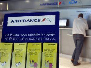 """Ανακοινώσεις των Air France και Qatar Airways μετά το """"μπλόκο"""" στο αντιμεταναστευτικό διάταγμα του Τραμπ"""