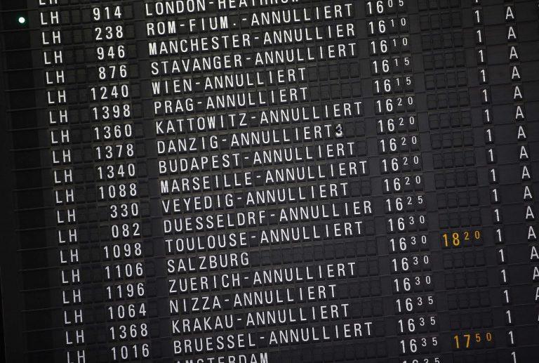 Χάος σε γερμανικά αεροδρόμια λόγω απεργίας των ελεγκτών ασφαλείας | Newsit.gr
