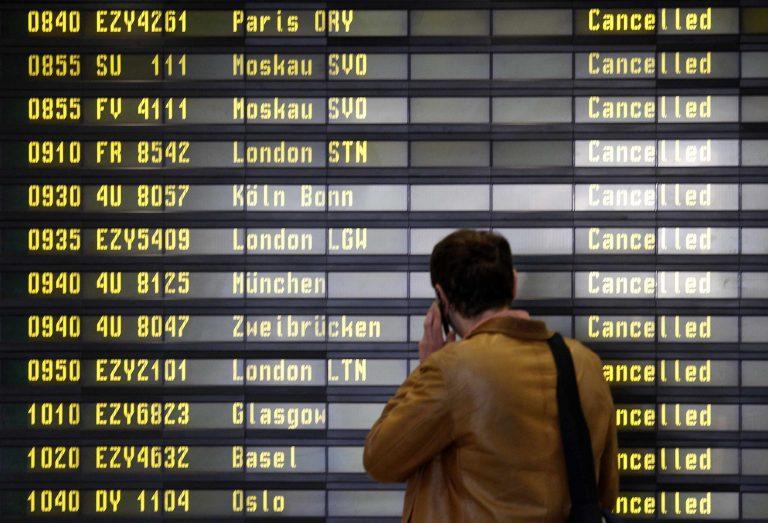 Συνεχίζεται το χάος στα αεροδρόμια της Ευρώπης | Newsit.gr